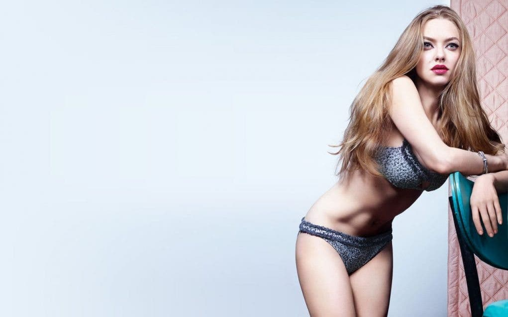 amanda-seyfried-hot-wallpapers-6-_1
