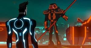 Elijah Wood y Paul Reubens en la serie de animación de 'Tron'