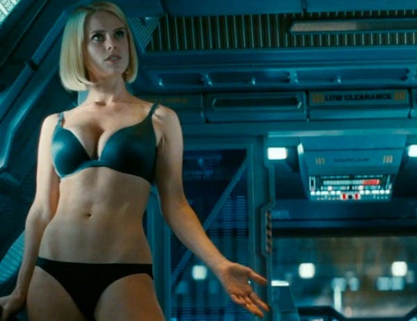 alice-eve-star-trek-into-darkness-carol-marcus-underwear