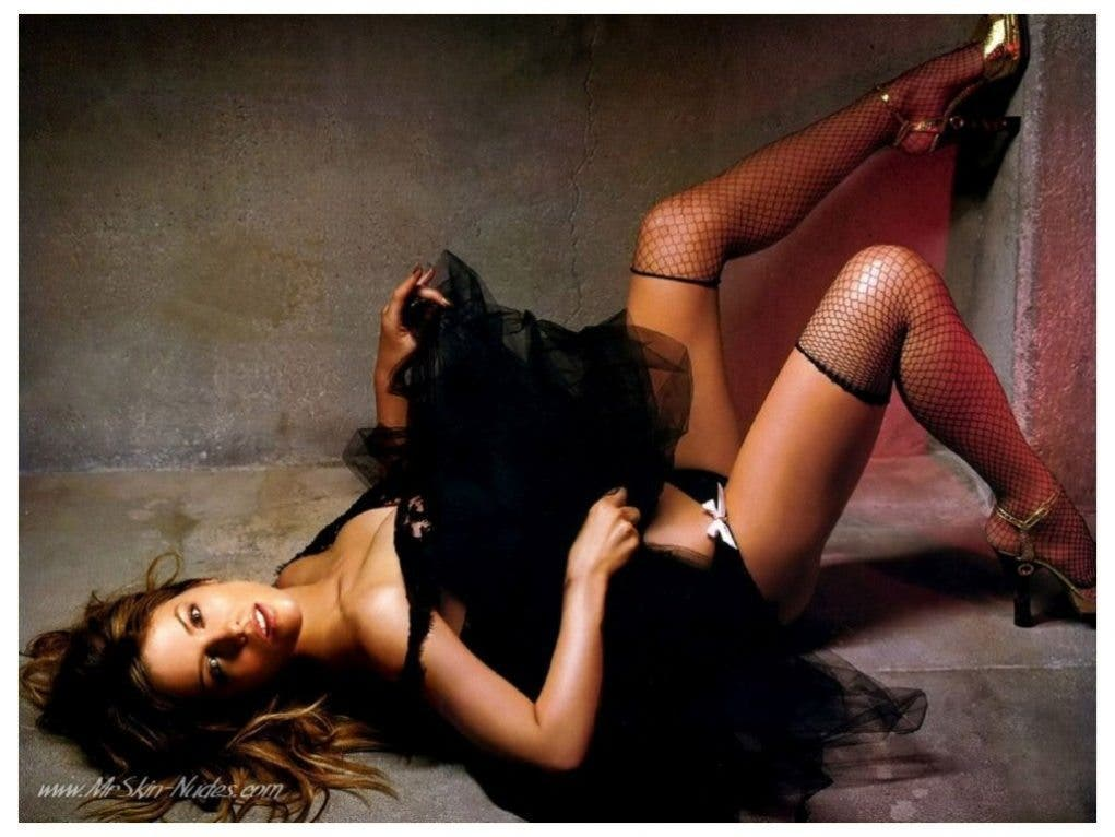 62197-kate-beckinsale-sexy-hot-screensaver