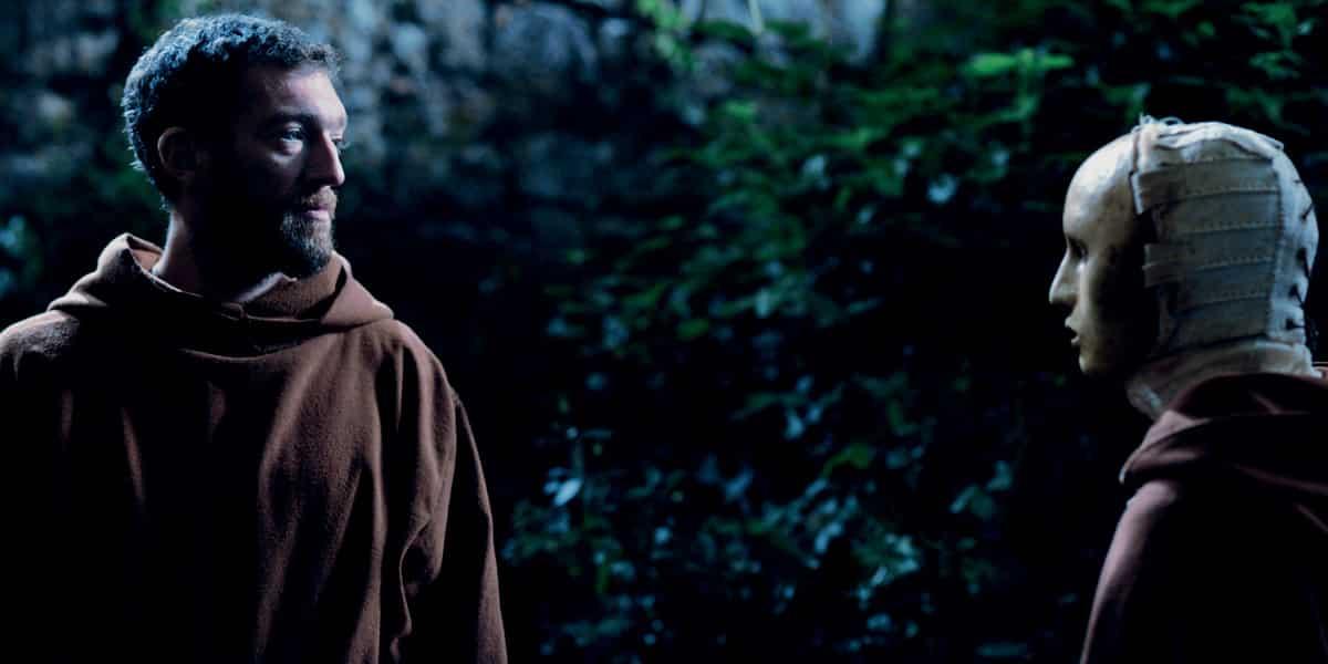 El monge fotograma