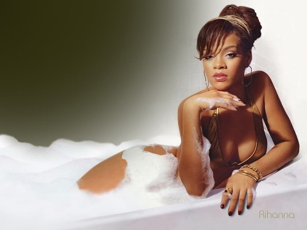 3er puesto  '100 Sexiest Women In The World 2014'  Rihanna