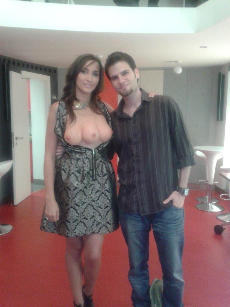 Eduardo Quintana con la mujer de tres pechos de TOTAL RECALL