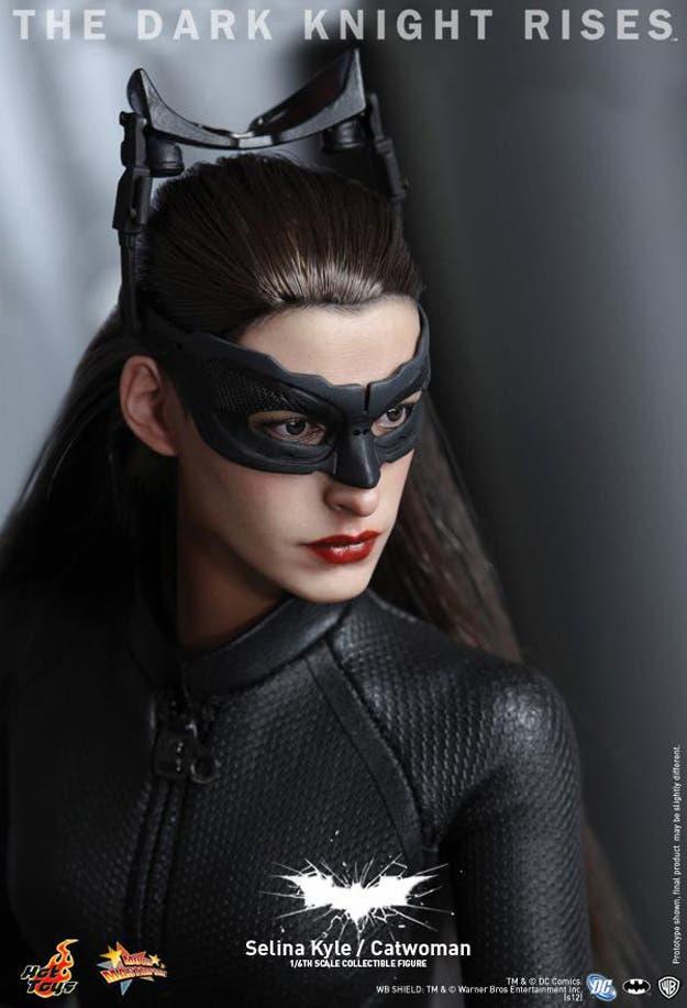 Catwoman EL CABALLERO OSCURO: LA LEYENDA RENACE