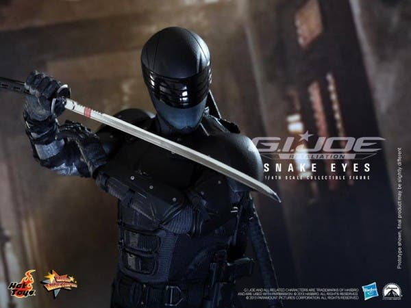 g-i-joe-retaliation-snake-eyes-hot-toys-collectible-600x450