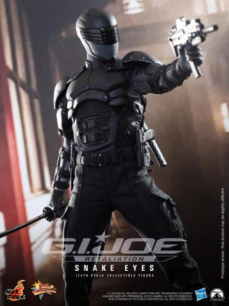 hot-toys-snake-eyes-collectible-450x600