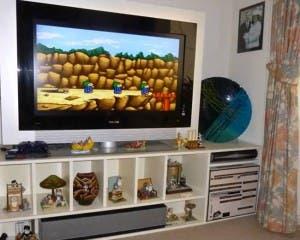 La televisión del salón, con la enorme consola debajo