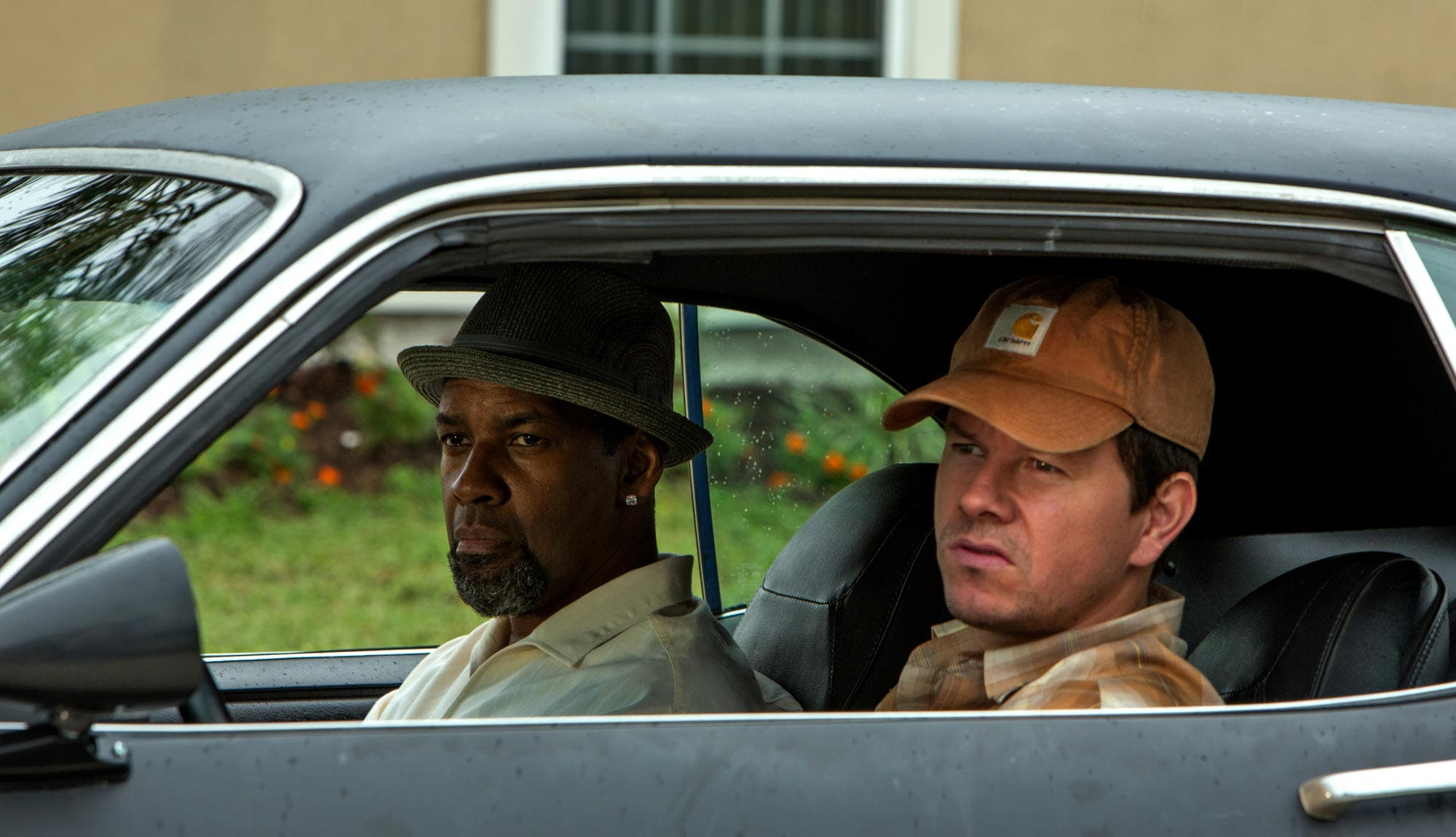 Denzel Washington y Mark Wahlberg protagonizan 2 Guns