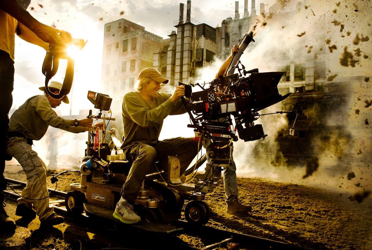 Michael Bay en medio del caos rodando Transformers: la era de la extinción