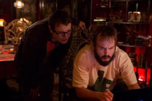 Leigh Whannell (izda.)repite su papel de investigador de lo paranormal en 'Insidious capítulo 2'