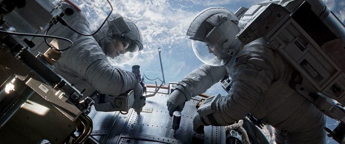 La película de Alfonso Cauron, Gravity, impacta a James Cameron