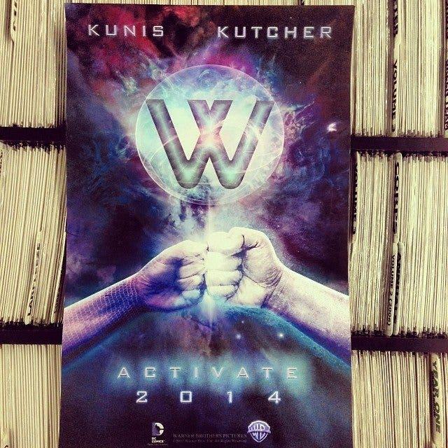 poster Activate con Mila Kunis y Ashton-Kutcher como los WONDER TWINS