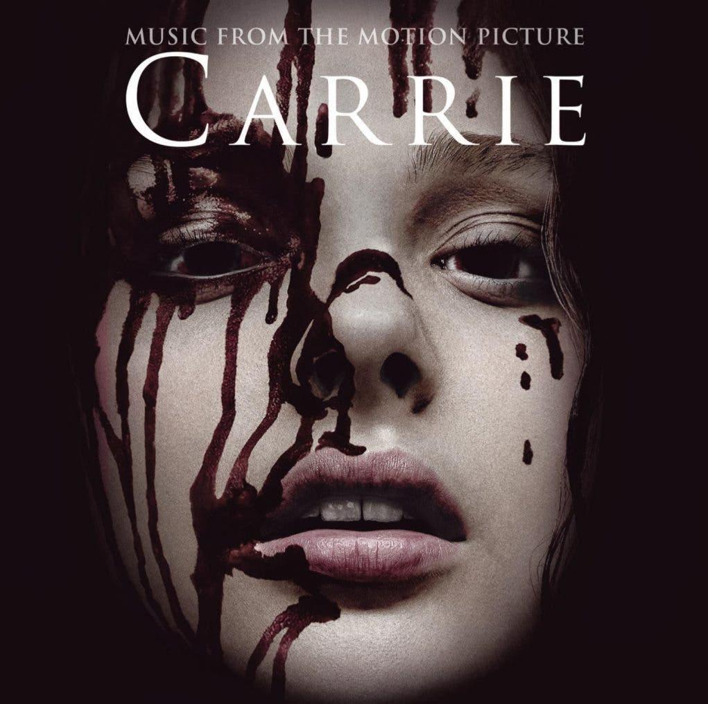 Portada de la banda sonora de CARRIE 2013