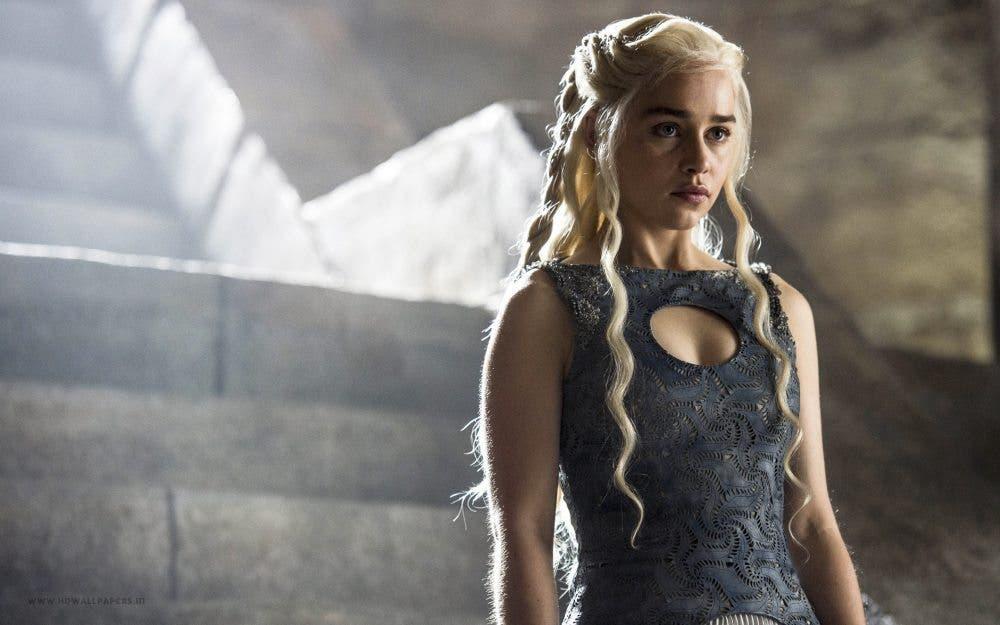 Emilia Clarke será Sarah Connor y Sladrá en Star Wars