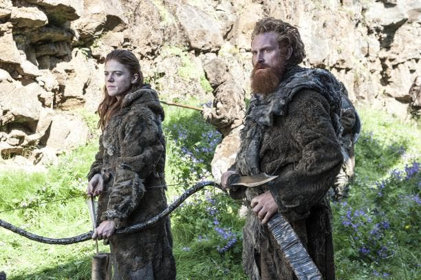 rose-leslie-as-ygritte-kristofer-hivju-as-tormund_photo-helen-sloan_hbo