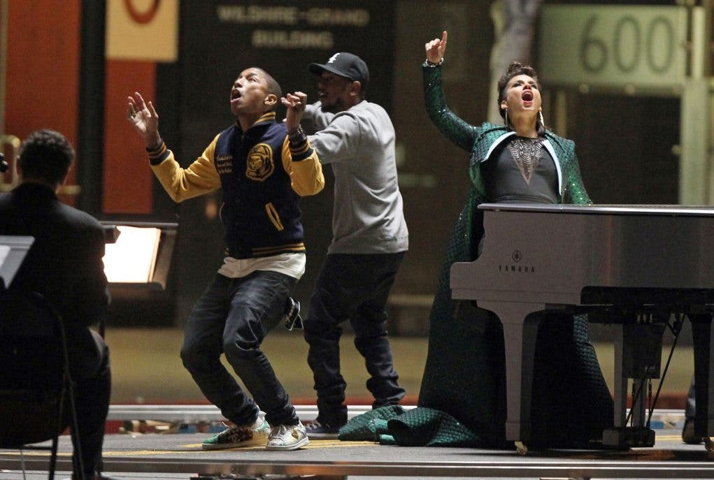 """Alicia Keys, Pharrell Williams and Kendrick Lamar film a music video for 'It's On Again' for the """"Amazing Spider-Man 2"""" soundtrack"""