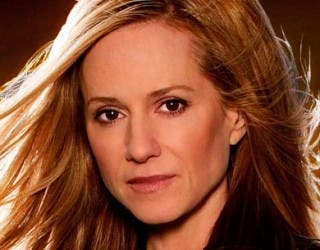 Holly Hunter se une al reparto de 'SUPERMAN y BATMAN'