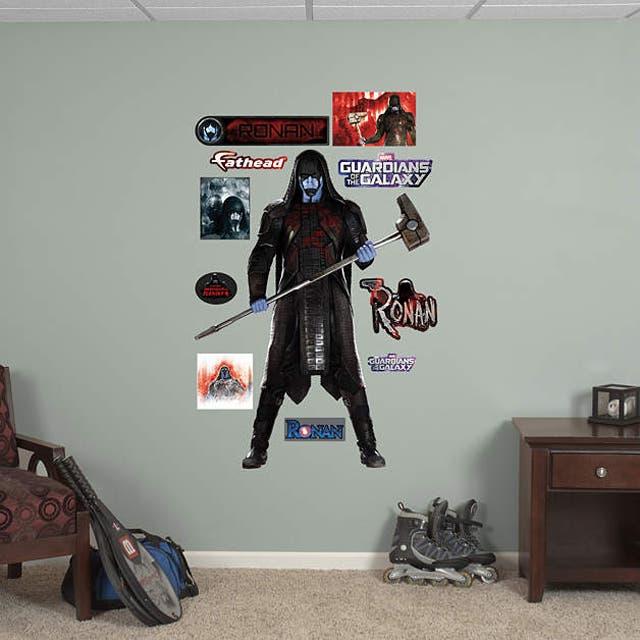 Ronan en la pared