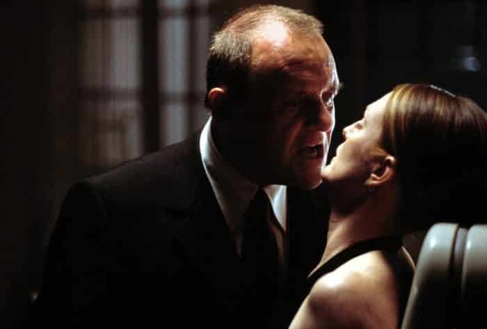 Julianne Moore junto a Anthony Hopkins en Hannibal