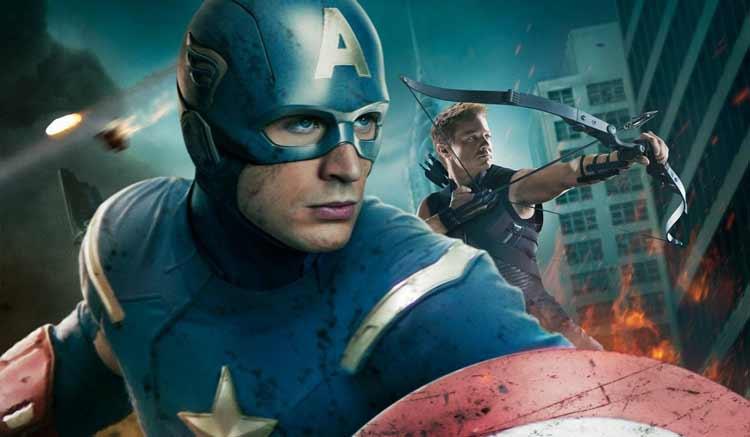 Capitán américa junto a Ojo de Halcón en Los Vengadores