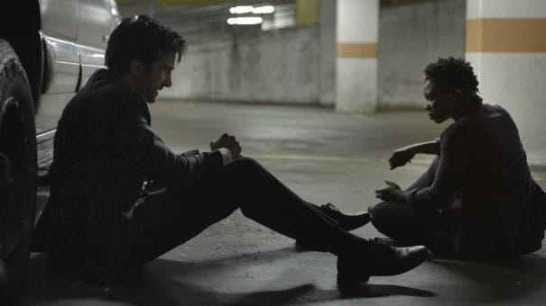 Fotograma de la serie Powers