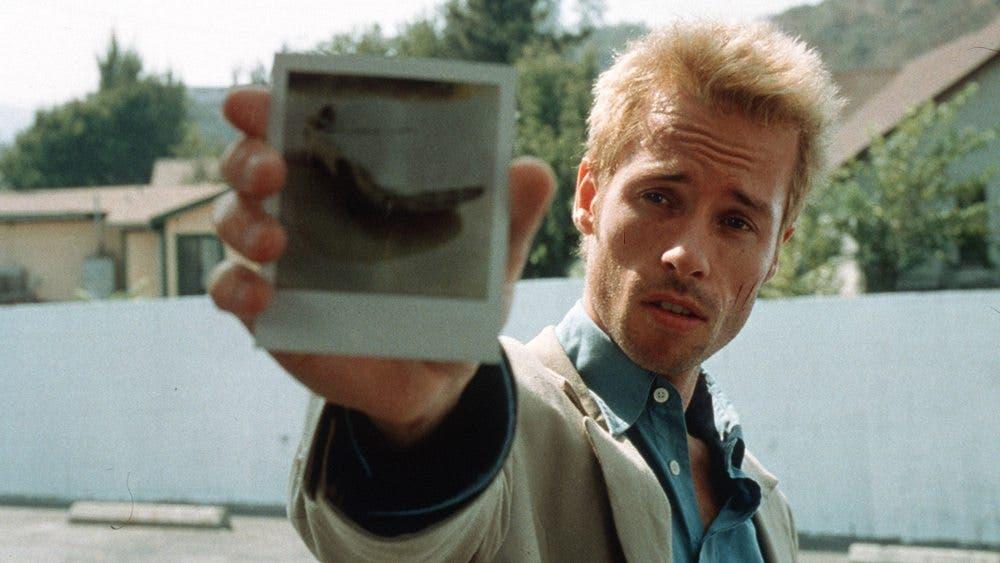 Guy Pearce, en el título de culto 'Memento'