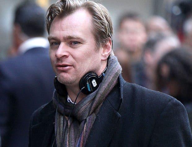 Christopher Nolan en conversaciones para dirigir Justice League