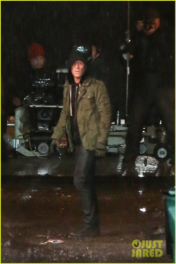 ryan-reynolds-gets-down-dirty-on-deadpool-movie-set-01