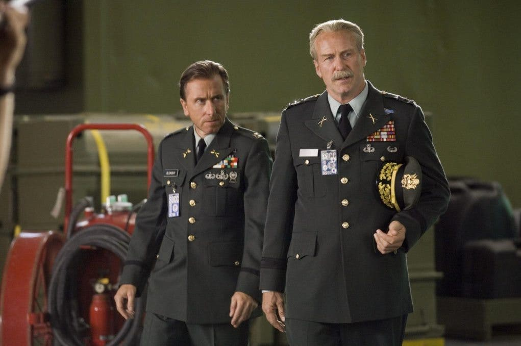 still-of-william-hurt-and-tim-roth-in-the-incredible-hulk-(2008)-large-picture