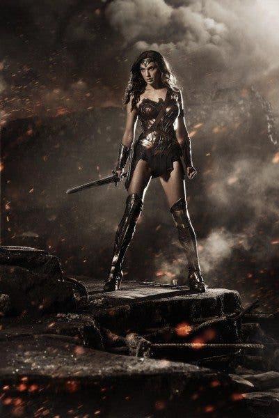 Imagen promocional de Wonder Woman (Gal Gadot) en 'Batman v Superman: Dawn of Justice' (2016).
