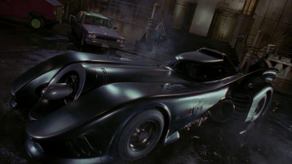 Batmóvil del Batman de los 90 en el primer adelanto de The Flash