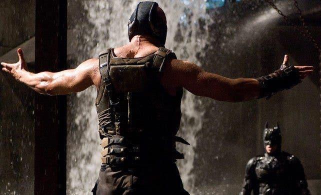 Tom Hardy es Bane en l caballero oscuro: La leyenda renace