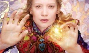 caracter poster de Alicia a traves del espejo