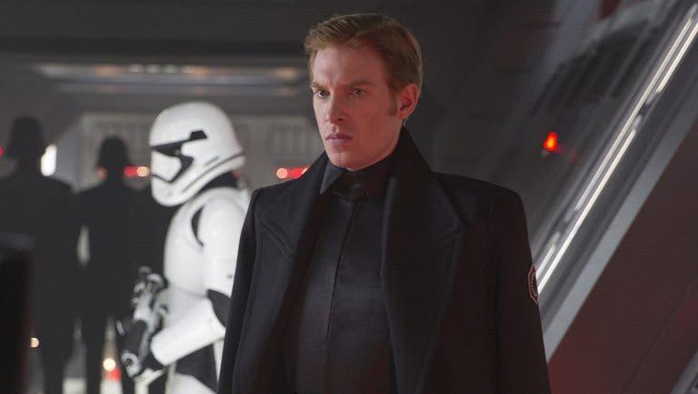 general hux Star Wars 9