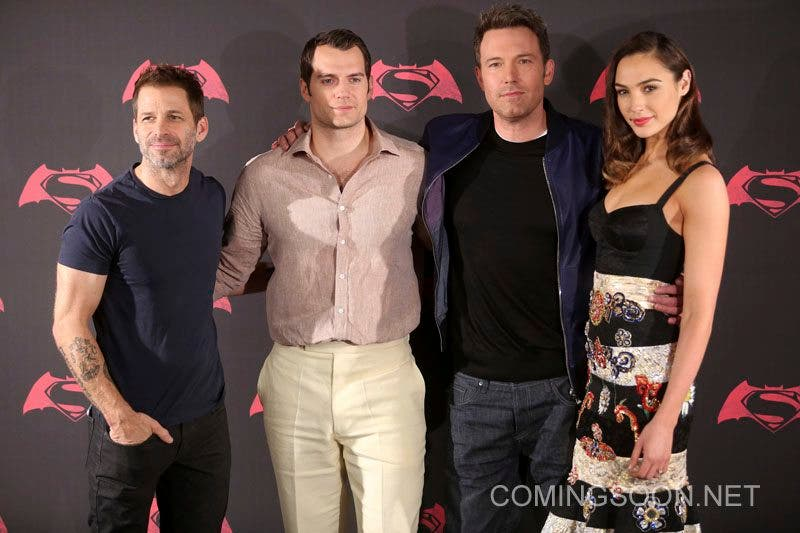 MEXICO CITY, MEXICO - MARCH 19: American director Zach Snyder, British actor Henry Cavill, American actor Ben Affleck and Israeli actress Gal Gadot pose for pictures during the Batman v Superman Movie photocall at St Regis Hotel on March 19, 2016 in Mexico City, Mexico. (Photo by Hector Vivas/LatinContent/Getty Images)