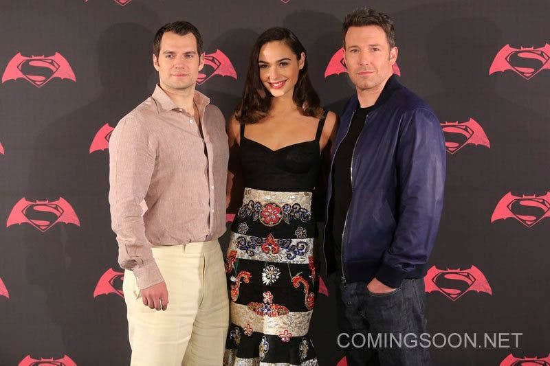 MEXICO CITY, MEXICO - MARCH 19: British actor Henry Cavill, American actor Ben Affleck and Israeli actress Gal Gadot pose for pictures during the Batman v Superman Movie photocall at St Regis Hotel on March 19, 2016 in Mexico City, Mexico. (Photo by Hector Vivas/LatinContent/Getty Images)