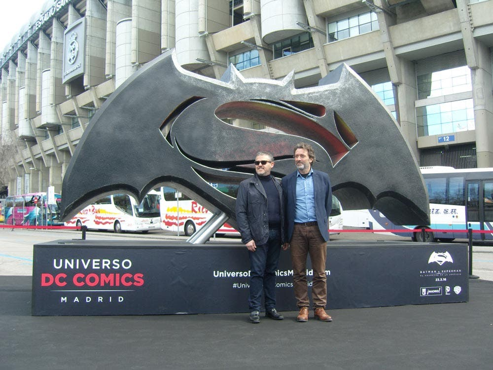 inauguracion-Batman-v-Superman-emblema