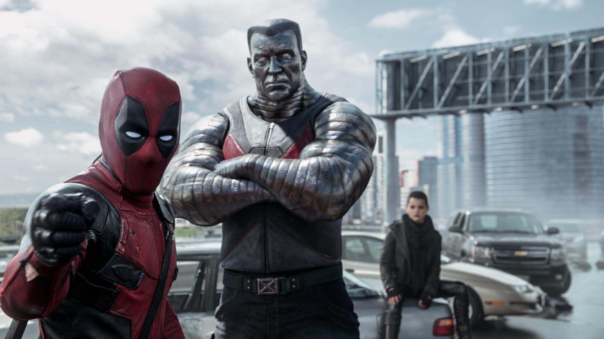 Escena de Deadpool junto a Coloso