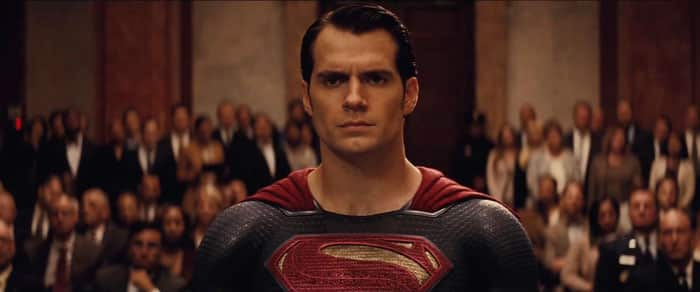 Henry Cavill sigue siendo Superman