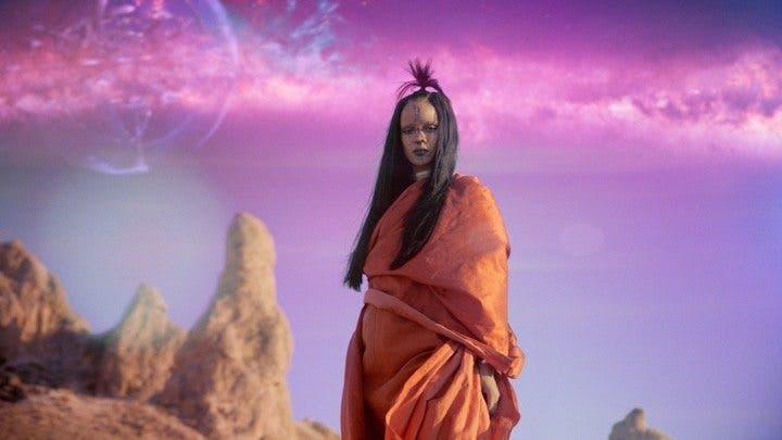 Rihanna Star Trek mas alla
