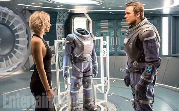 Chris Pratt y Jennifer Lawrence en Pasajeros