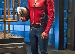 "The Flash -- ""The Race of His Life"" -- Image: FLA223a_0238b.jpg -- Pictured: John Wesley Shipp as Henry Allen -- Photo: Katie Yu/The CW -- © 2016 The CW Network, LLC. All rights reserved."