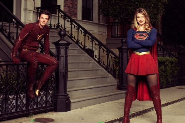 Tráiler del crossover musical entre 'The Flash' y 'Supergirl'