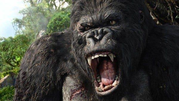 clip de Kong la isla calavera