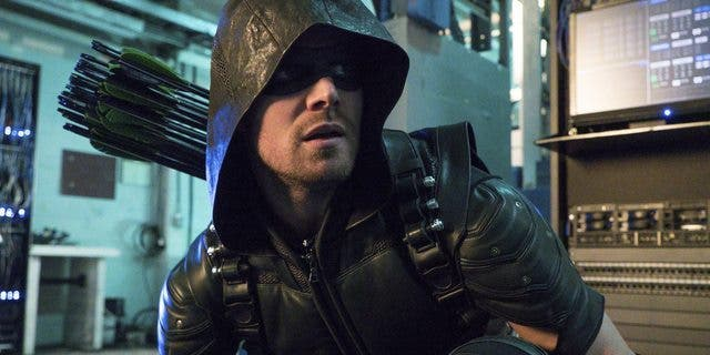 stephen-amell-arrow-agresion-1