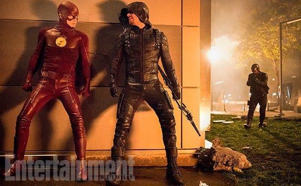 Supergirl-Flash-Arrow-Legends-of-Tomorrow-crossover