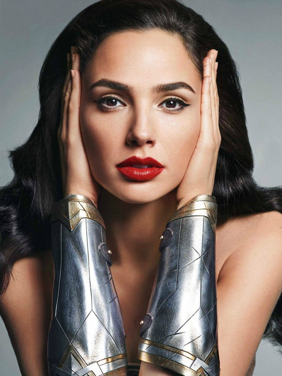 Wonder Woman Gal Gadot new images