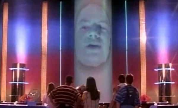 Bryan Cranston como Zordon en Power Rangers