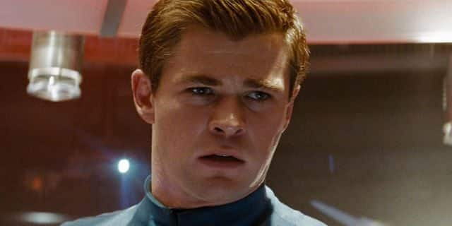 Chris Hemsworth como James T Kirk en Star Trek