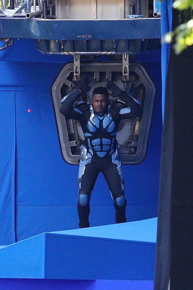 John Boyega en el rodaje de Pacific Rim 2 (2)